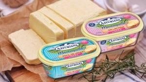 Imagen de varios tipos de «mantequilla» de Asturiana que FACUA ha pedido su retirada