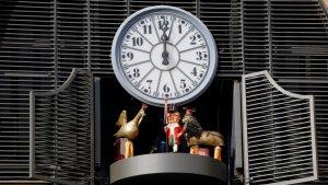 Imatge d'arxiu del rellotge carilló del Mercat Central de Tarragona, amb les figures del seguici popular