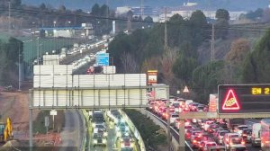 Imatge de les llargues cues a la C-58, al seu pas per Sant Quirze del Vallès, a les 8.01 hores