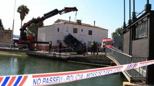Imatge del vehicle accidentat el passat 14 de juiol al canal dret de Roquetes, al Baix Ebre