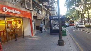 La botiga de 'Vodafone' es troba al número 108 de la Rambla Nova de Tarragona