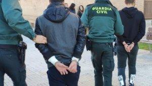 La Guàrdia Civil deté a dos persones per un delicte de robatori amb violència a Oliva