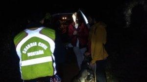 La Guàrdia Civil rescata a tres joves i un gos en una zona de difícil accés prop de Xàtiva
