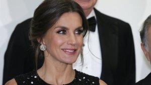 La reina Letizia ha deslumbrado en la cena de honor a los premios 'ABC'