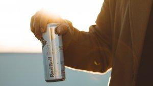 La taurina es uno de los ingredientes principales de las bebidas energéticas.