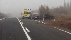 Las asistencias sanitarias y cuerpo de seguridad han acudido al lugar del accidente a socorrer a los implicados