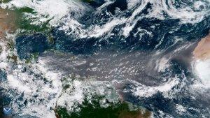 Las fuertes corrientes de aire interplanetarios arrastran granos de arena sorprendentemente grandes hacia el Caribe