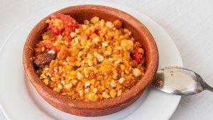 Las migas son un plato tradicional español muy fácil de preparar.