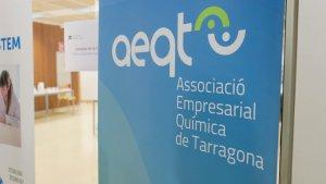 Les imatges dels tallers didàctics amb química de l'AEQT a la URV