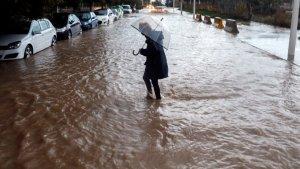 Les pluges estan causant moltes inundacions a tot l'Estat