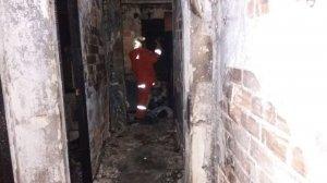 L'incendi es va originar ahir en una casa a Utiel