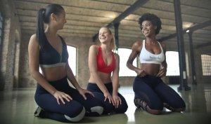 Los abdominales hipopresivos están especialmente recomendados para las mujeres.