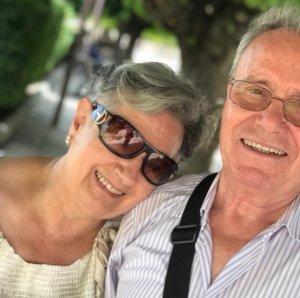 Maria Assumpció Carballeira, a l'esquerra, amb el seu marit