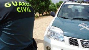 Patrullas de la Guardia Civil la buscan después que su padre denunciara su desaparición