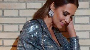Paula Echevarría de cena con sus mejores amigas con un vestido 'blazer' de Stradivarius
