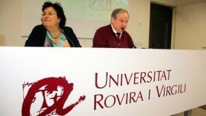 Pla mitjà de la rectora de la URV, Maria José Figueras, i el vicerector econòmic i director del Campus Terres de l'Ebre, Jordi Sardà