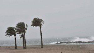 Sigue durante viernes el temporal de viento, olas importantes y chubascos intensos de lluvia