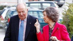 Sofía, muy cercana y sonriente, al lado de Juan Carlos