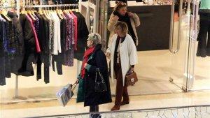 Terelu y su madre disfrutando de una tarde de compras