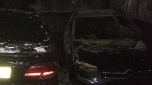 Un incendi en un garatge de Castelló calcina sis vehicles i causa danys a altres 25