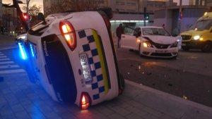 Una patrulla de la Policia Municipal de Terrassa va patir un petit accident durant una missió
