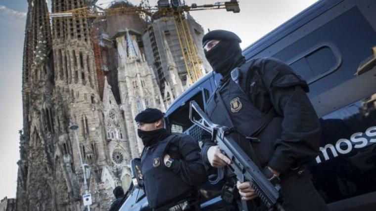 Dispositiu antiterrorista a la Sagrada Família de Barcelona.