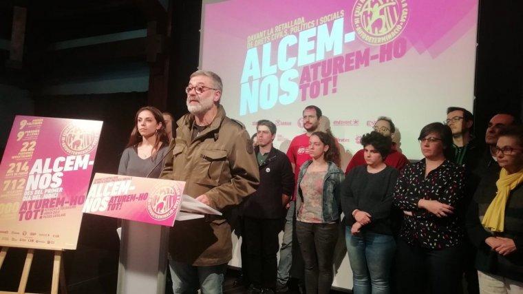 El líder de la CUP, Carles Riera, presentant la campanya «Alcem-nos»