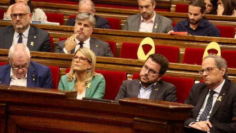 El president Quim Torra amb part del seu executiu al Parlament de Catalunya