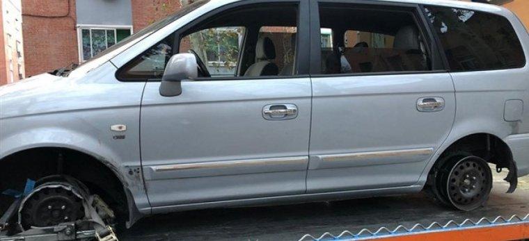 El vehiculo circulaba a gran velocidad si ningún neumático