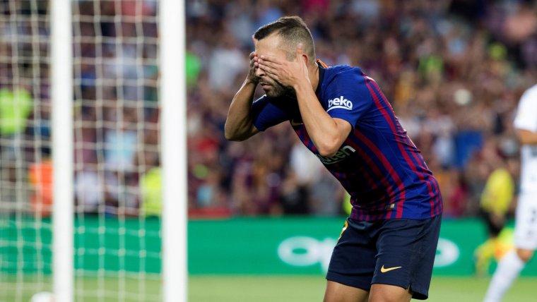 Jordi Alba celebra el gol que ha aconseguit contra l'Osca.