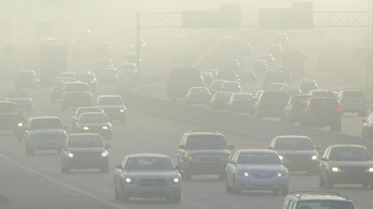 La major font d'emissions de gasos contaminants és el transport privat
