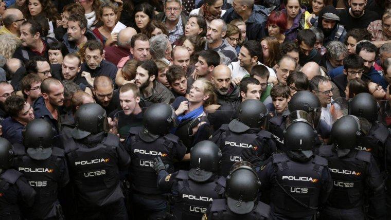 El govern espanyol està ultimant els detalls d'un gran desplegament policial a Catalunya