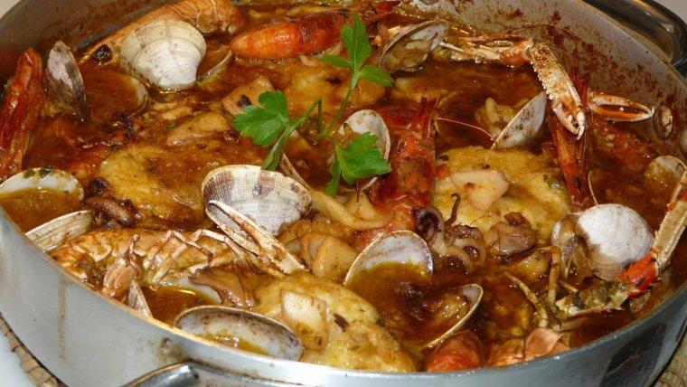 La sarsuela de peix i marisc, imprescindible durant la nit de Nadal