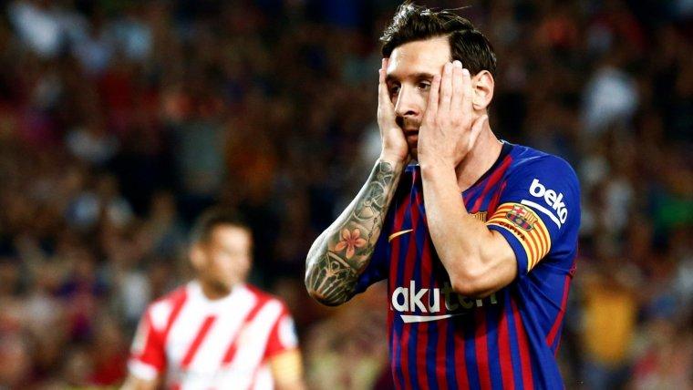Messi es lamenta durant el Barça-Girona del Camp Nou.