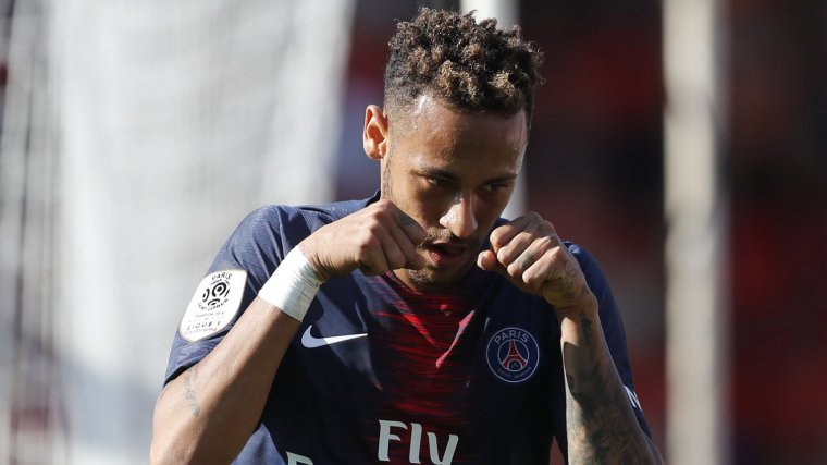 Neymar celebra el gol que va aconseguir contra el Nimes.