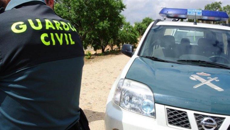 La Guardia Civil incautó diversos petardos a los jóvenes