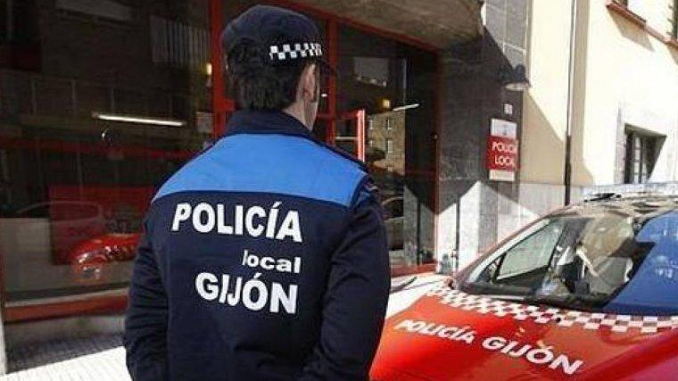 Tres agentes de la Policía Local de Gijón fuera de servicio observaron los hechos