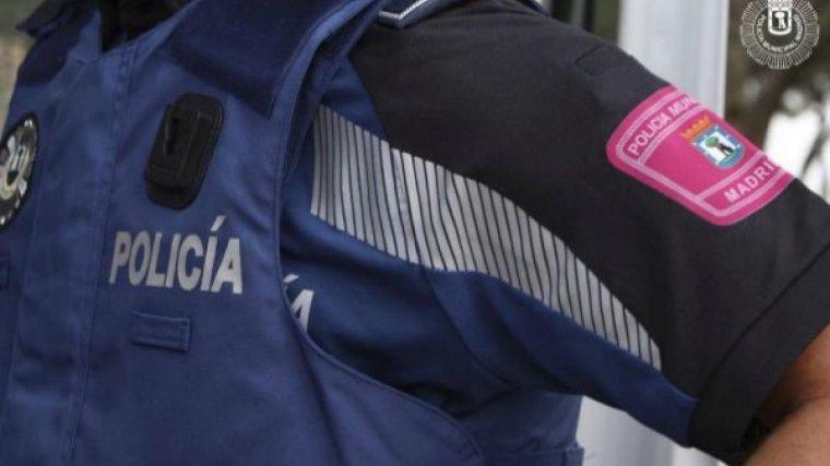 Los agentes de seguridad consiguieron reducir al hombre que se encontraba agresivo