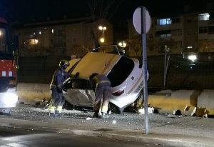 Així va quedar el cotxe després de rebre el fort impacte