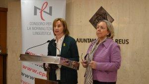 Anna Saperas (esquerra) i M. Dolors Sardà, durant la presentació del balanç 2018 del CNL de Reus