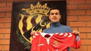 Antonio Cotán signa amb el conjunt grana pel que queda de temporada i una més opcional