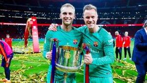 Cillessen i Ter Stegen celebren un títol amb el Barça.