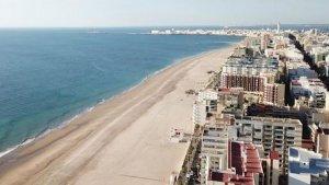 Ciudadanos propone privatizar parte de la playa La Victoria de Cádiz