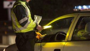 El conductor va donar una taxa positiva de 0,84 mil·ligrams d'alcohol per litre d'aire espirat, xifra que triplica el límit permès
