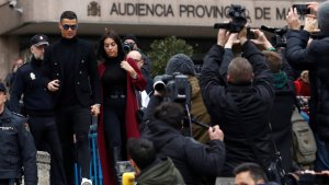 Cristiano Ronaldo, sortint de l'Audiència Provincial de Madrid
