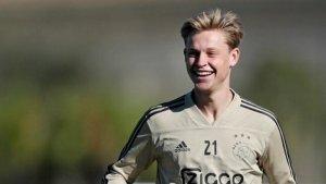 De Jong, durant un entrenament de l'Ajax.