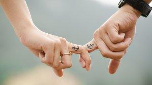 Descubrimos los mejores tatuajes para parejas, los más originales y los más sencillos.