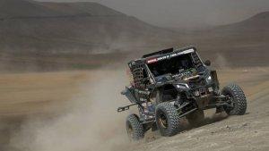 El bugui de Farrés i Oliveras, durant una prova del Dakar 2019