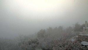 El cim del Tossal de la Baltasana s'ha llevat enfarinat aquest diumenge