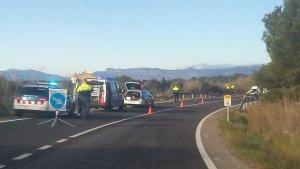 El conductor d'un tractor a mort, després d'una col·lisió per encalç amb una furgoneta.